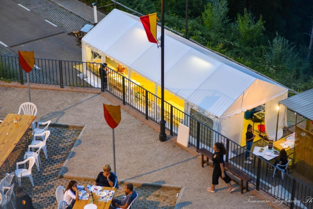 Taverne del Palio dei Colombi - Contrada Posterola - Via Luciano Lama